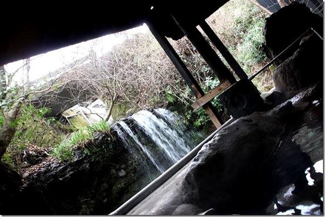 笹のしずく 滝風呂