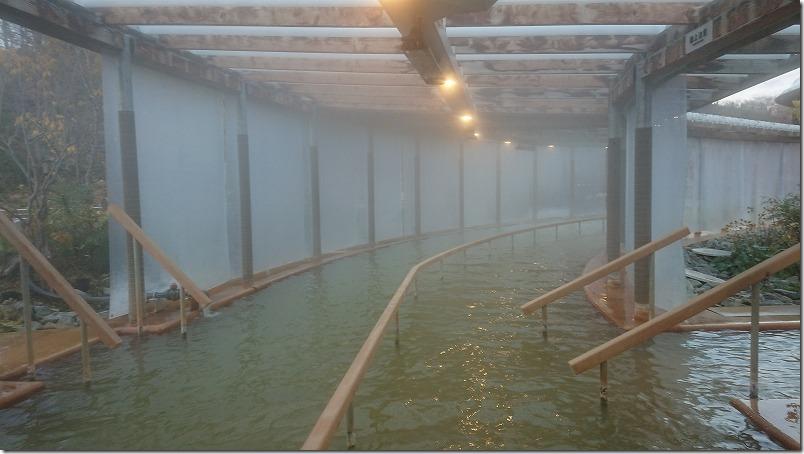 クアパーク長湯の温泉プール、歩行湯